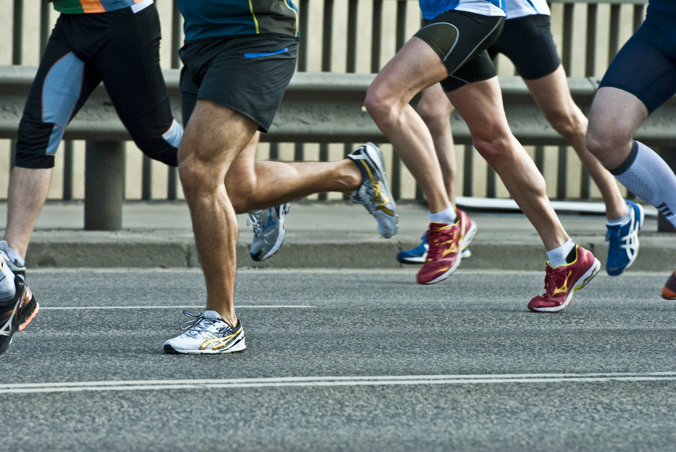 ECAS team is running the Ekiden Race to improve the Free Movement in Europe: cheer them!